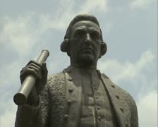 Upper part of Captain Cook statue Stock Footage