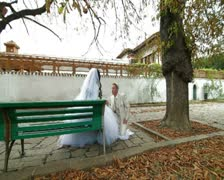 Muslim newlyweds in Bakhchisarai Palace Stock Footage
