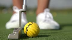 Amateur golf putt lessons Stock Footage