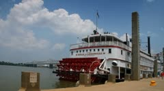 Paddleboat in dock at Waterfront Park along Ohio River in Louisville, Kentucky Stock Footage