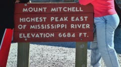 Mt mitchell sign and people Stock Footage
