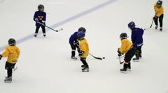 Young ice hockey players Stock Footage