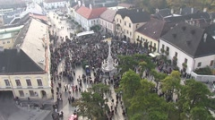 Perchtoldsdorf main Square, zoom out Stock Footage