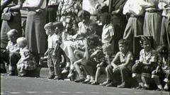 Tyhjää, valkoista Lapset Watch Parade Circa 1952 (vintage Film Home Movie) 1359 Arkistovideo