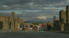 Large tour group in Pompeii ruins Stock Footage