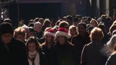 Crowd on sidewalk in Chicago [LP-Chicago-001a] Stock Footage
