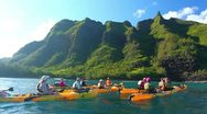 Kayaking on the north shore of kauai, hawaii Stock Footage