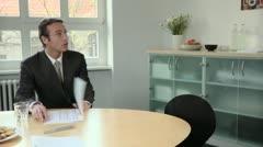 MS, TU, TD, Kaksi liikemiestä joiden kokous kokoushuone Arkistovideo