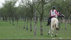 Endurance riding on controlled long-distance race Stock Footage