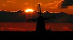 Nederland Kinderdijk windmill sunset Stock Footage