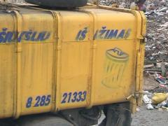 Junk car removal and many poor dirty homeless in dump. Stock Footage