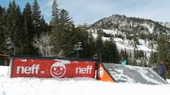 Snowboarder boardside Stock Footage