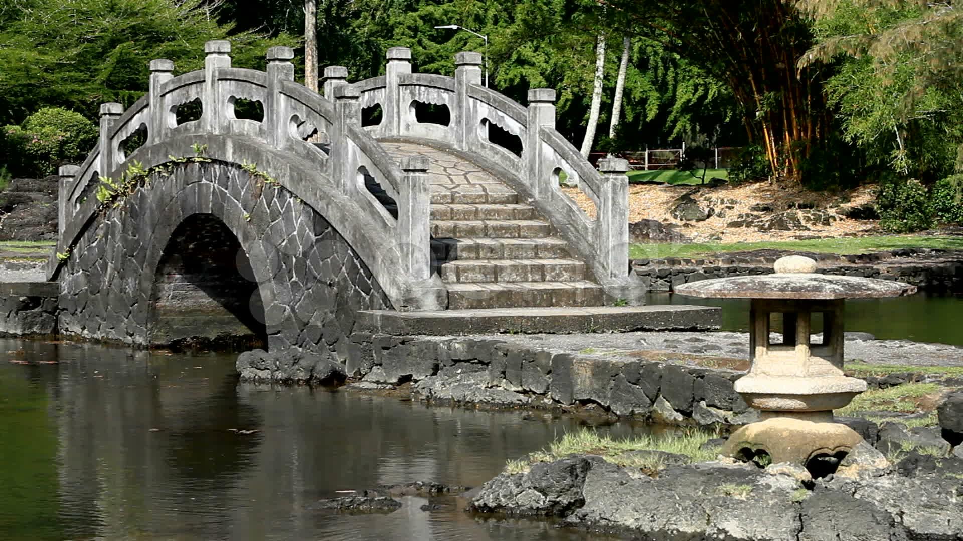 30 awesome zen garden bridges for Zen garden bridge