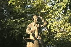 Uzbekistan Bukhara statue of folk hero zoom in Stock Footage