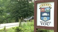 Welcome sign from the town of Kent, Connecticut Stock Footage