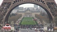 Central École Militaire building busy traffic car, Paris champ de mars symbol - stock footage