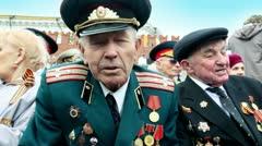 Veteran Shishkin V.I. speak about war at background of kremlin wall Stock Footage