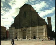 BOLOGNA piazza maggiore Stock Footage