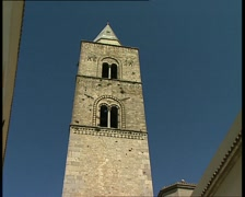 MELFI campanile zoom out Stock Footage
