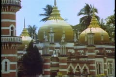 Kuala Lumpar, the central mosque of the city Stock Footage