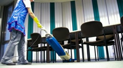 Absorbent cleaning Lady Stock Footage