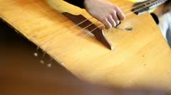 Pelaa kontrabasso balalaikka Arkistovideo