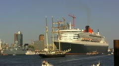 Queen Mary 2 in Hamburg - stock footage