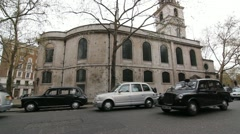 London Cabs at St Clement Danes. Stock Footage