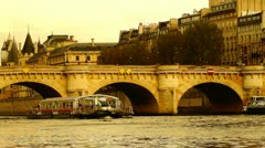 Some scenes of daily Paris, Pont Neuf Stock Footage