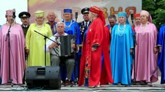 Ukrainian folk song. Women in multicoloured costume sing ukrainian song Stock Footage