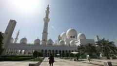 Sheikh Zayed Mosque in Abu Dhabi Stock Footage