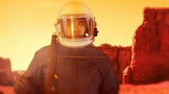 Kosmonoaut astronaut mars landing space command Stock Footage