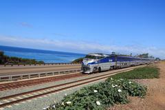 Train ohi Tyynellämerellä pakopisteen Kuvituskuvat