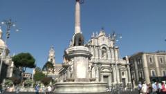 Elephant Fountain in Catania City and group of tourists. Stock Footage