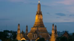 Wat Arun (Thai วัด อรุณ) Sunset Time Lapse, Thailand, Bangkok - stock footage