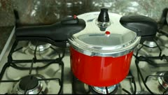 Pressure cooker Stock Footage