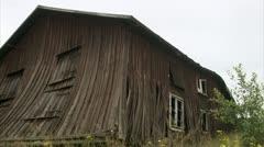 A ramshackle barn Stock Footage