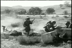 Soldiers scrambling to take cover Stock Footage