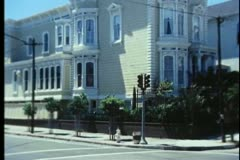 Zoom in to corner house on Divisadero, San Francisco, California Stock Footage