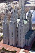 Salt Lake City Utah LDS mormonitemppeli ylhäältä edestä. Jpg Kuvituskuvat