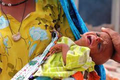 Sick Refugee Vauvan Huutavan Shikarpur, Pakistan Kuvituskuvat