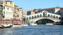 The Rialto Bridge in Venice, Italy. Stock Footage