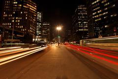 Avenida Paulista yö liikenne Viivästys Sao Paulo Brasilia Kuvituskuvat