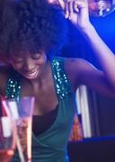 Nuori nainen tanssi klubi Kuvituskuvat