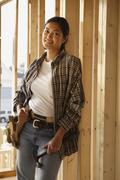 Aasian Nainen raksamiehet sisällä rakennustyömaa Kuvituskuvat