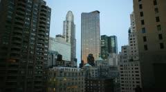 Viivästys elokuva New Yorkin horisonttiin kuin aurinko nousee ja auringonvalo osuu Arkistovideo