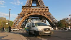 Eiffel tower traffic. Stock Footage