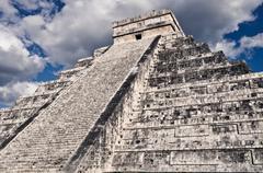 Chichen itza mayan temple in mexico Stock Photos