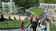 The main staircase of the cascade of fountains in Peterhof, Russia Stock Footage