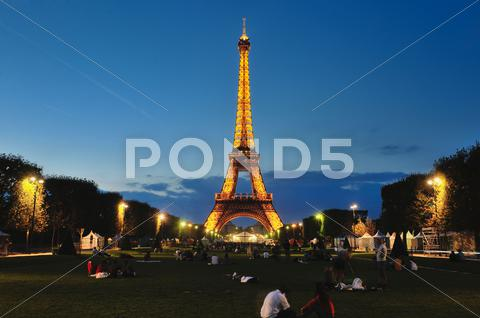 Stock photo of eiffet tower in paris at night